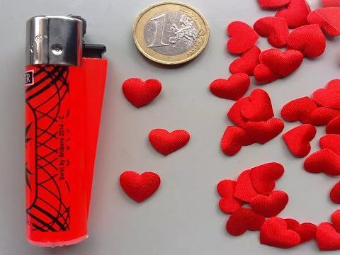 Cuoricini in raso rosso in due modelli Articolo per S. Valentino - Sconti per Fioristi e Aziende