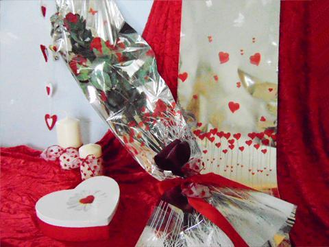 Buste H 25 stampa cuori Articolo per San Valentino - Sconti per Fioristi e Aziende
