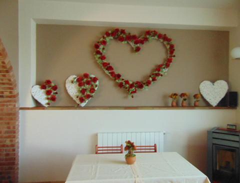 Roseto cuore cornice 150x130 - Sconti per Fioristi e Aziende