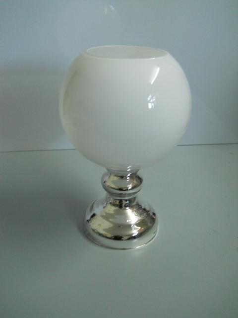 Vaso Vetro Sferico Bianco H 38 dm. 25 piede Argento