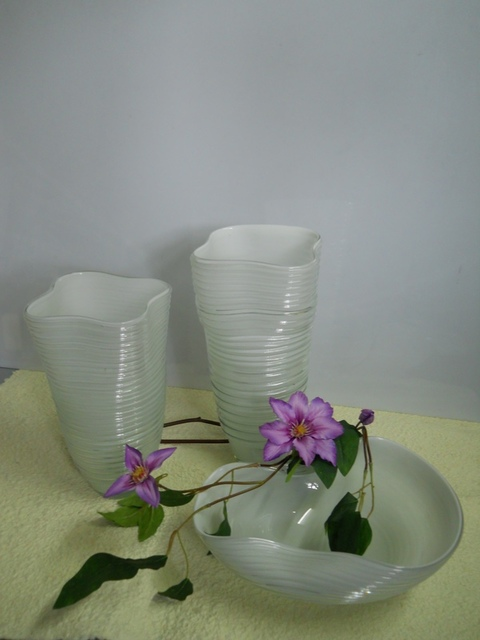 Vasi e Ciotola Vetro  Bianco Rigato in 3 modelli