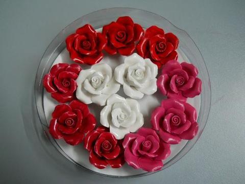 Rose resina x 12 con adesivo