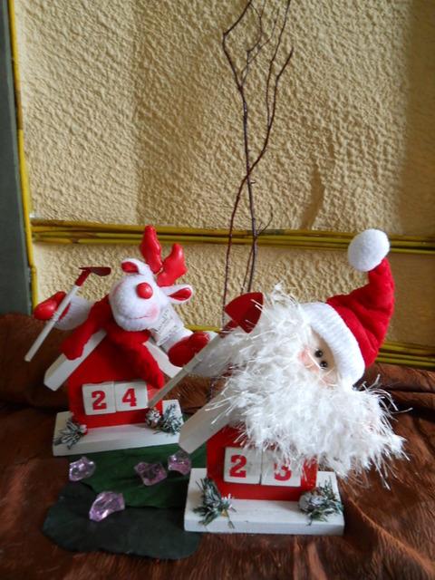 Datario in legno Babbo Natale e Renna