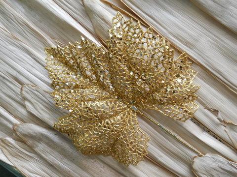 Foglia d'Uva oro  H 40 glitterata oro