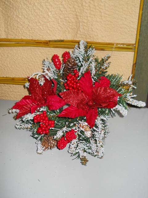 Coroncina   natalizia con stelle di natale
