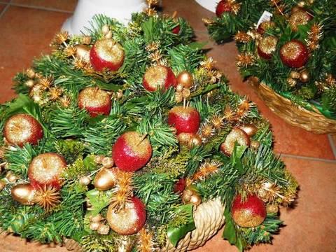 Pick Mela glitterata con pino verde - Sconti per Fioristi e Aziende