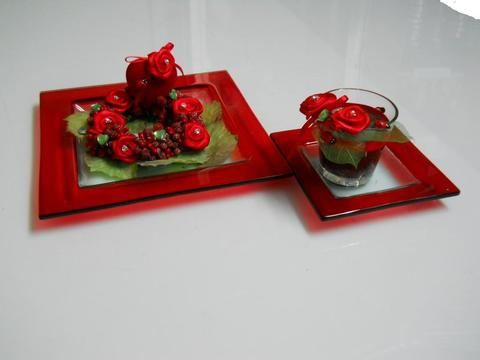 Piatto Quadrato bordi rossi in vetro Articolo per S. Valentino - Sconti per Fioristi e Aziende