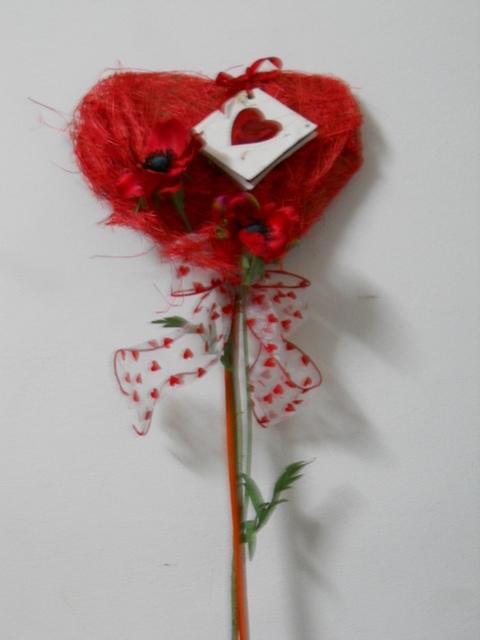 Cuore sisal steccato H 70 decorato Articolo per San Valentino - Sconti per Fioristi e Aziende