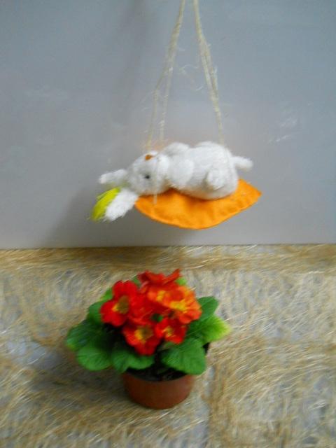 Coniglietto Peluches   su carota