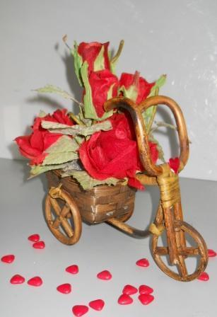 Triciclo con Rose Rosse