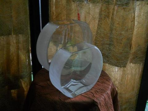 Vaso piatto in vetro satinato  satinato in 2 misure