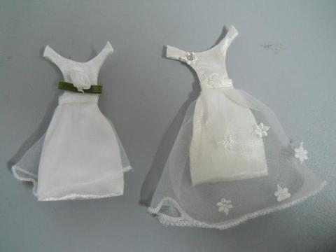 Vestitino da sposa con sacchetto porta confetto