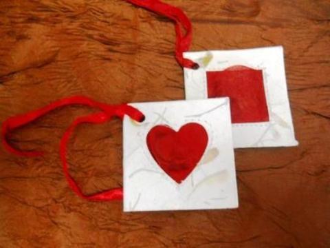 Bigliettini Love x 50 profumati con pergamena Articolo per San Valentino - Sconti per Fioristi e Aziende