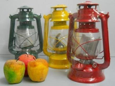 Lanterna a petrolio H 28 con vetro in 3 colori