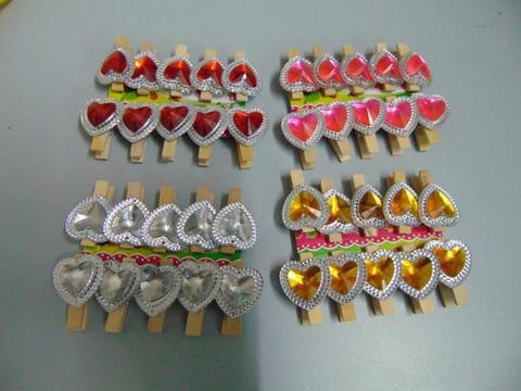 Mollette con cuore x 10  bordato in 4 colori