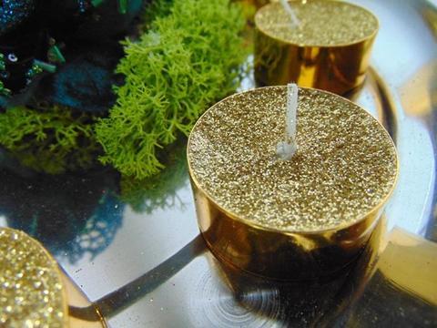 Tea light x 9 glitterati oro H 1,5 dm.. 3,7 - Sconti per Fioristi e Aziende