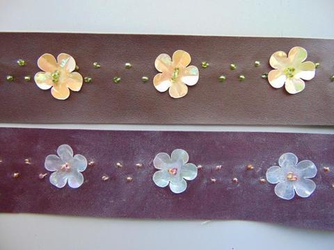 Nastro in pelle con fiore al metro  in due colori
