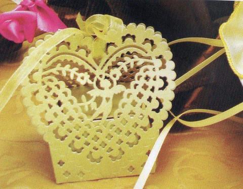 Scatole Traforate Cupido  cm. 5 x 5 H 3 per fioristi e wedding e Bomboniere