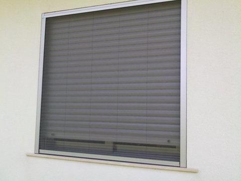 Zanzariera plissè per finestra