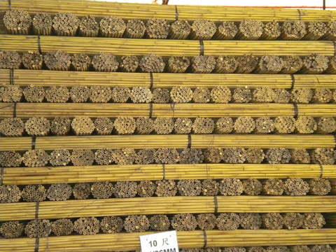 Importatore diretto di canne di bambu per vigneti e  per uso agricolo in genere