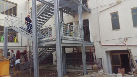 Scuola Media Statale Via Delle Fiere Collesano  Scala di Sicurezza