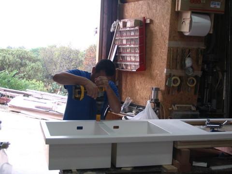 Produzione / Realizzazione in Falegnameria di TOP CUCINA E LAVELLI