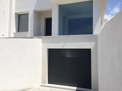 Villino residenziale  Terrasini (PA) 05/2017 Infissi in PVC, portone sezionale Hormann