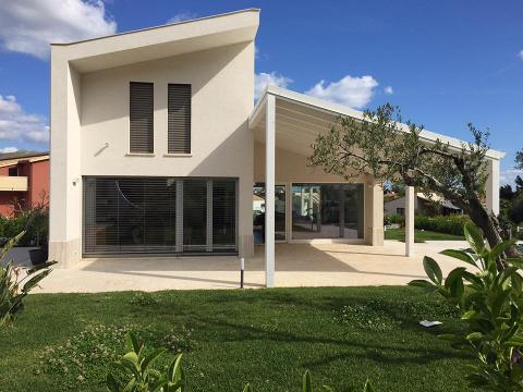 Infissi in PVC - Schermature solari Griesser   Villetta residenziale Castellammare Del Golfo (TP)