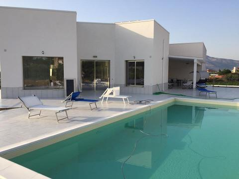 Villa moderna Partinico Alcamo Infissi alluminio taglio termico Thermo plus    07/2017
