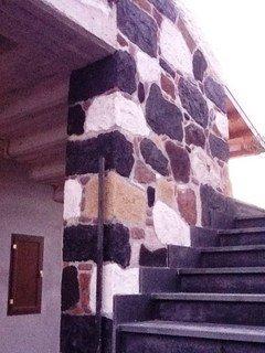 Rivestimenti muri case in pietra lavica ADRANO CALCESTRUZZI s.r.l.