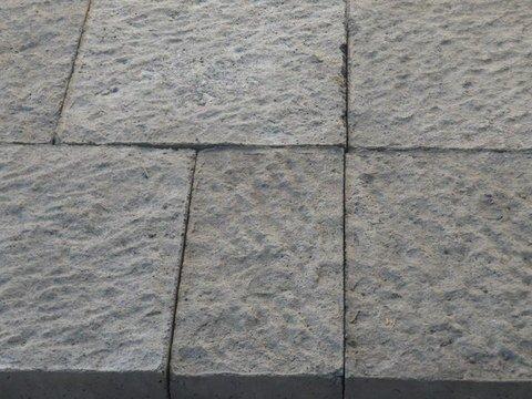 Basole tipo pietra lavica  ADRANO CALCESTRUZZI s.r.l.