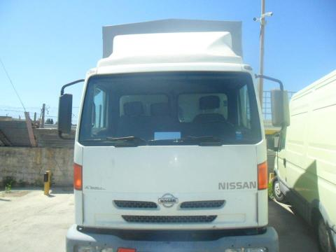 Nissan Cabstar centine e pedana Diesel