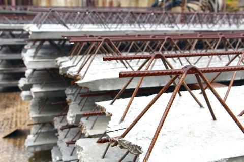 Travetti tralicciati per solaio in cemento armato (Trapani, Palermo, Sicilia)